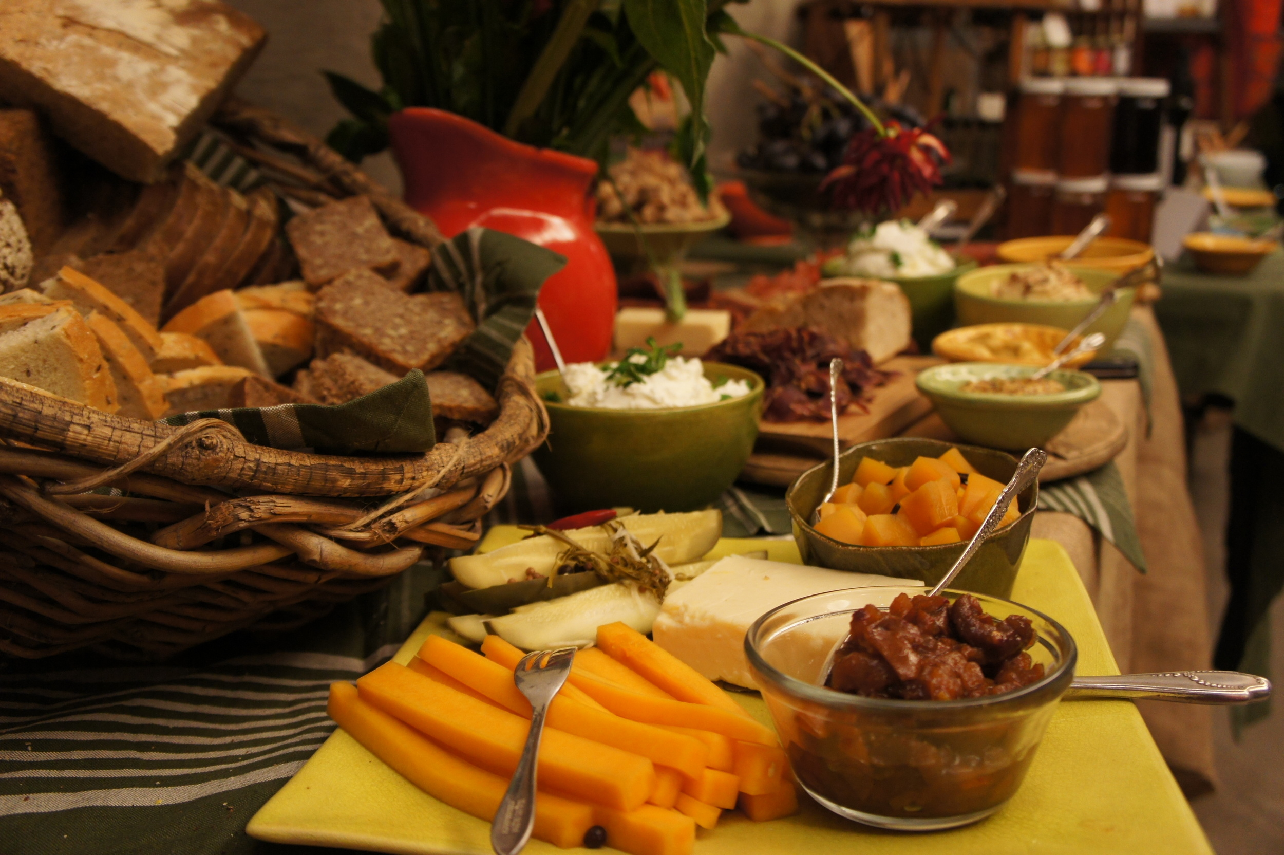 Rye Bread Buffet Closeup.JPG