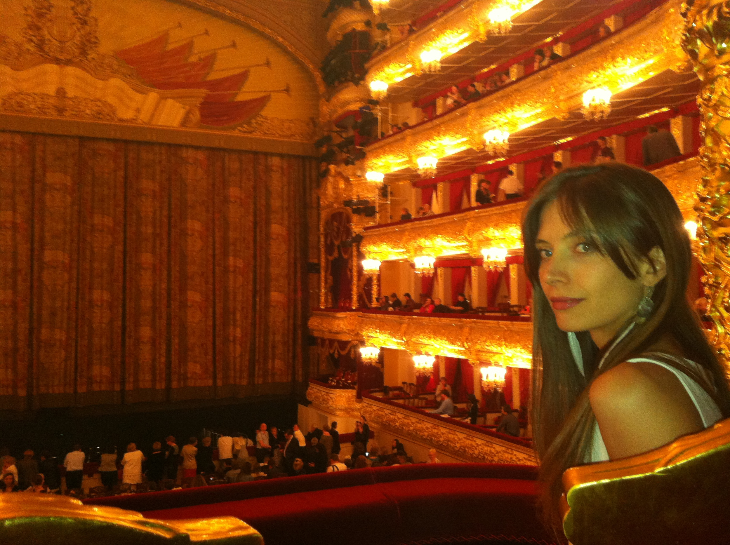 Erika was personally invited by the director of the Bolshoi theatre, here from the Putin lounge