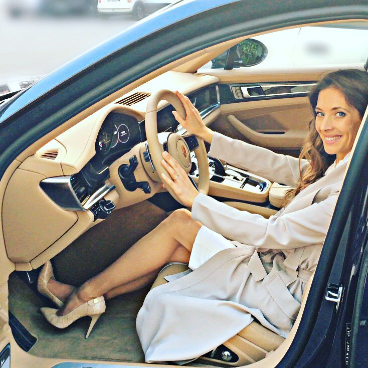Erika driving panamera 2017