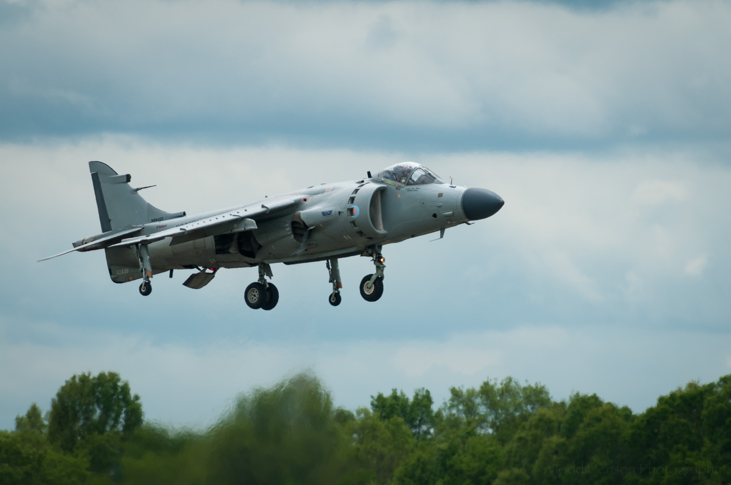 Harrier Vertical Landing. Pilot: Art Nalls.  Camera settings: 400mm, 1/1000 sec, f/6.3