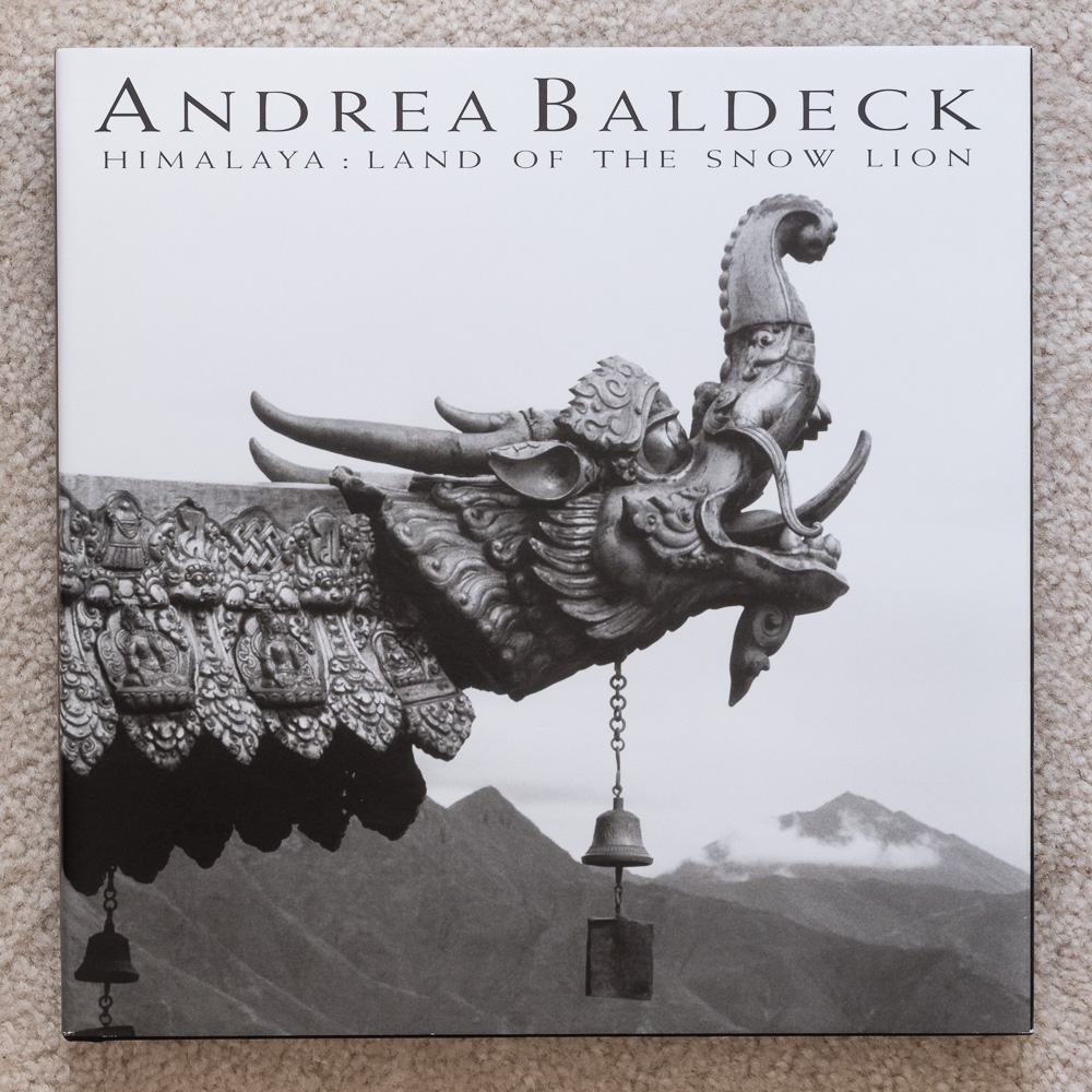 The cover of Andrea Baldeck's   Himalaya: Land of the Snow Lion  .