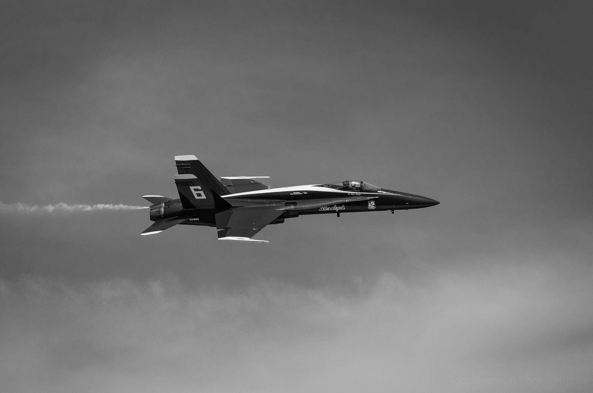 Blue Angels Flyby #2: USN F/A-18 performing a flyby.