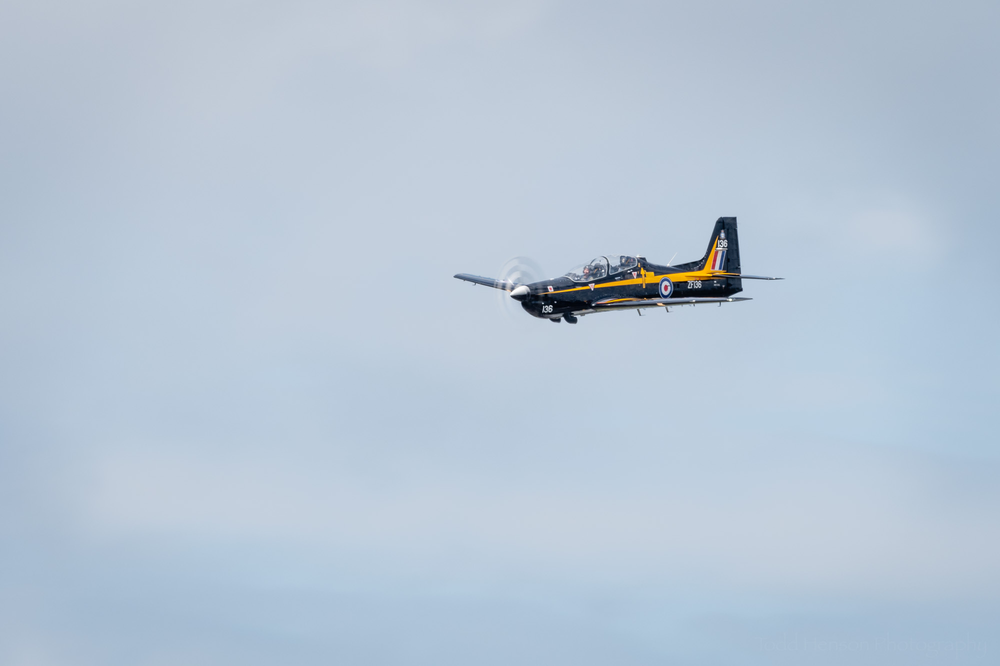 Lee Leet flying his Super Tucano.