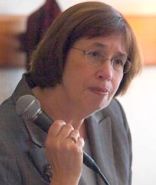 Linda_Greenhouse,_2005.jpg