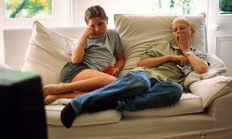 Teenagers-watching-TV-001.jpg
