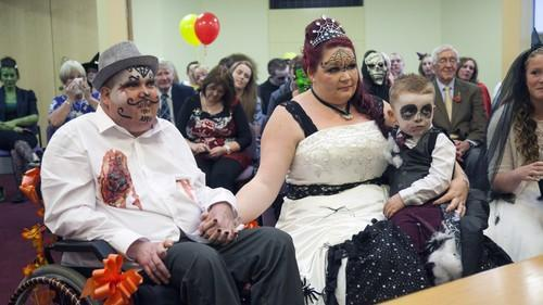 Photo by ALEX MILLER/HotSpot /Landov.  Simon and Kelly renewed their wedding vows on Halloween.