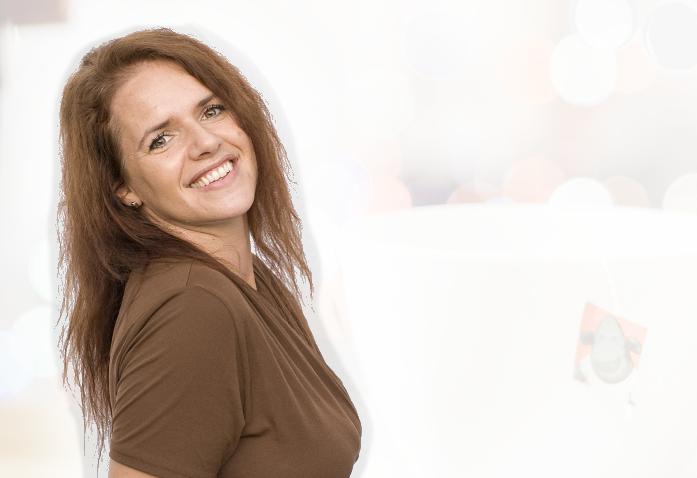 Louise McKenzie - Mother of 7. Entrepreneur. Lover of coffee. Netflix Binger.