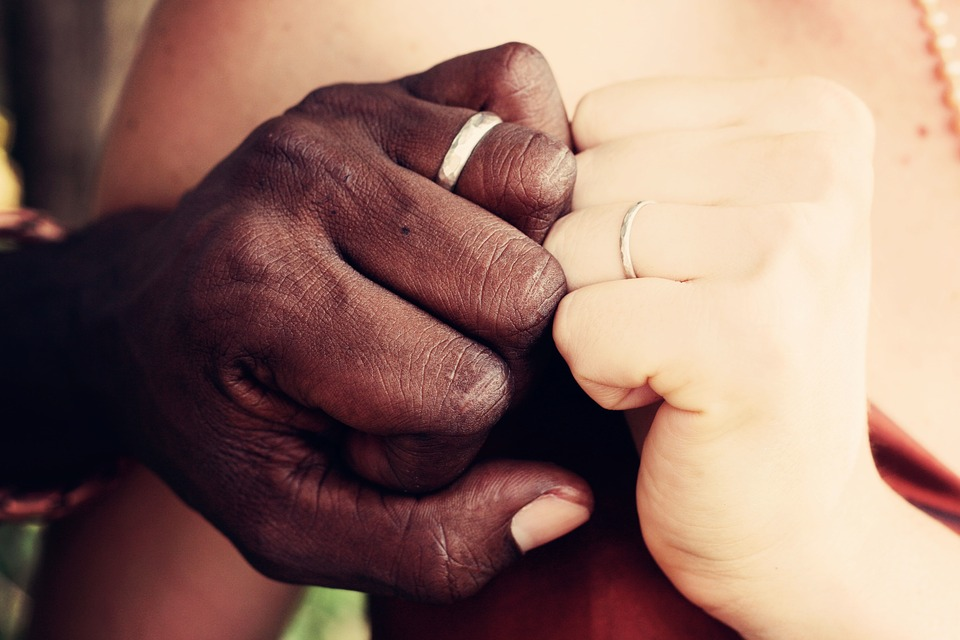 couple-How To Keep Your Relationship Strong And Healthy