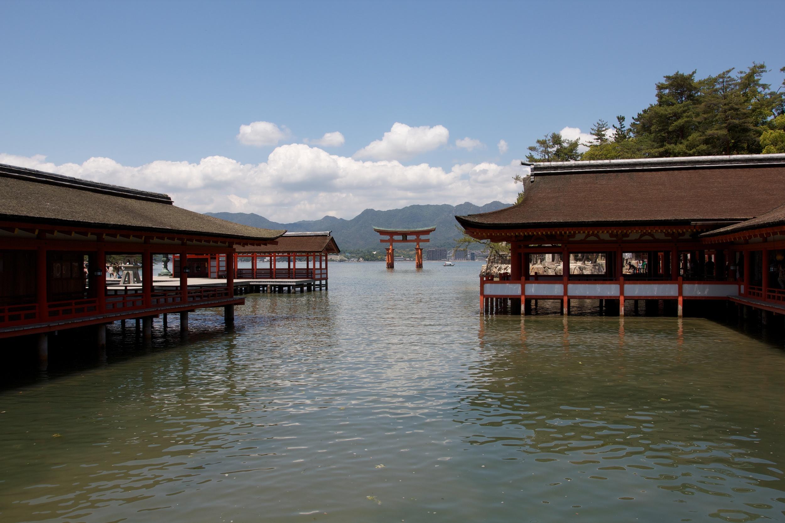 Miyajima Island Shrine, Hiroshima (1).jpg