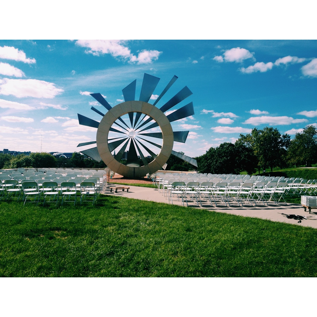 iowa-venue-desmoines-capital-shattering-silence-monument-iowa-wedding
