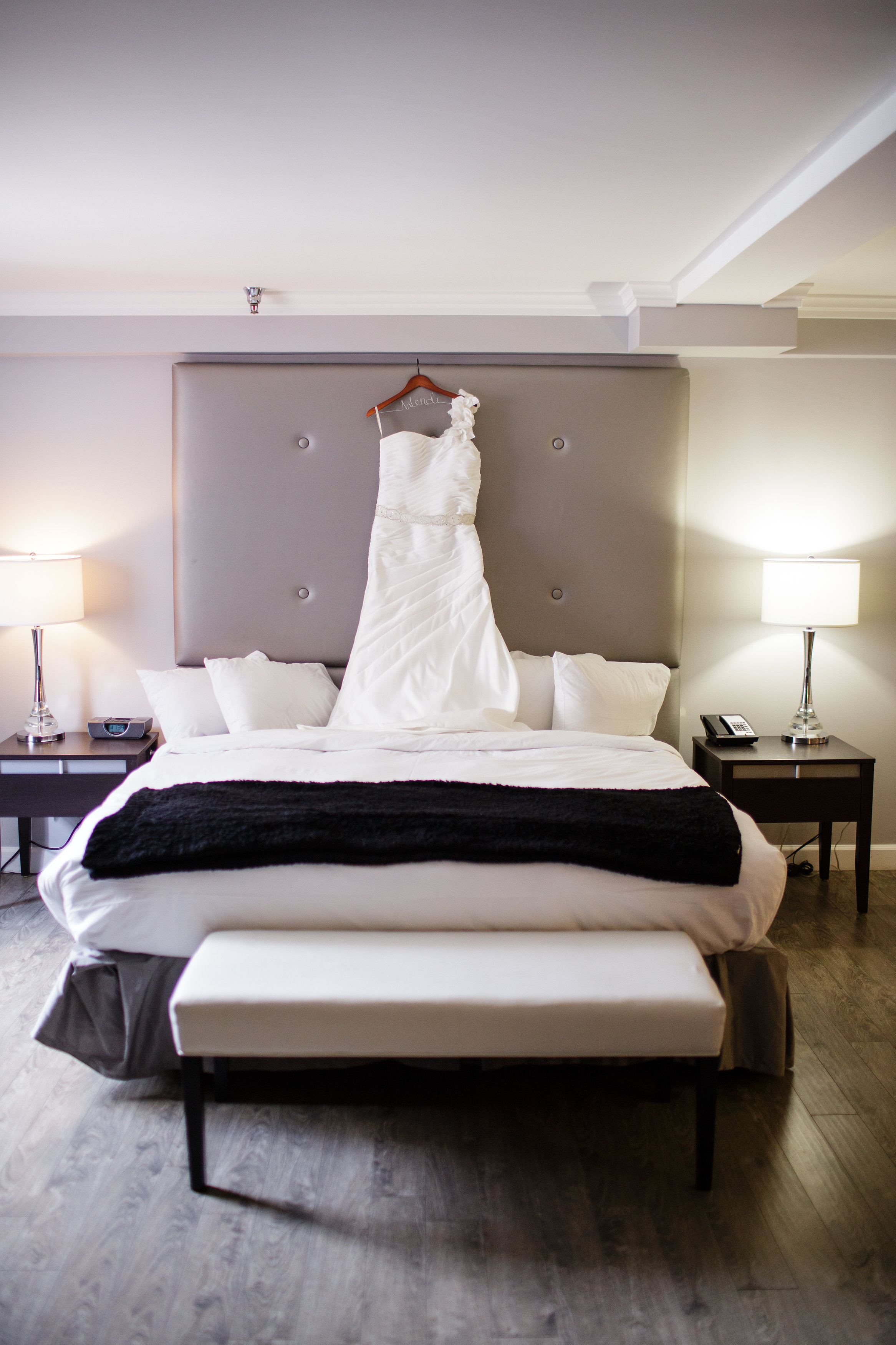 omaha-venue-the-living-room-white-black-downtown-wedding-one-strap-dress-bridal-suite