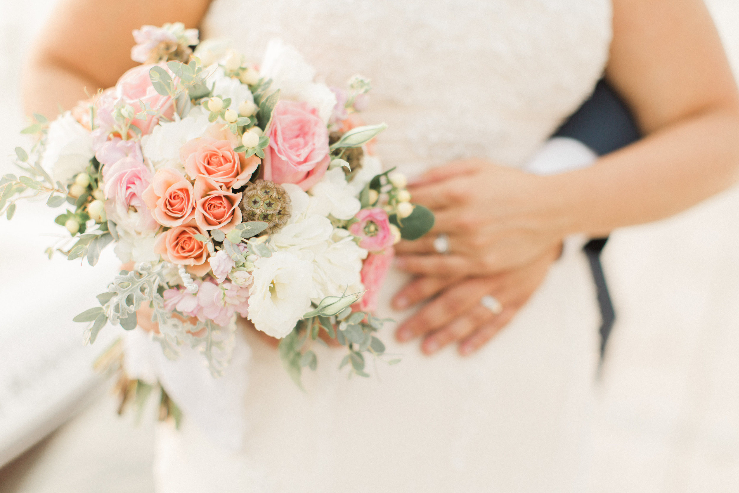 bouquet-pink-sage-white-flowers-iowa