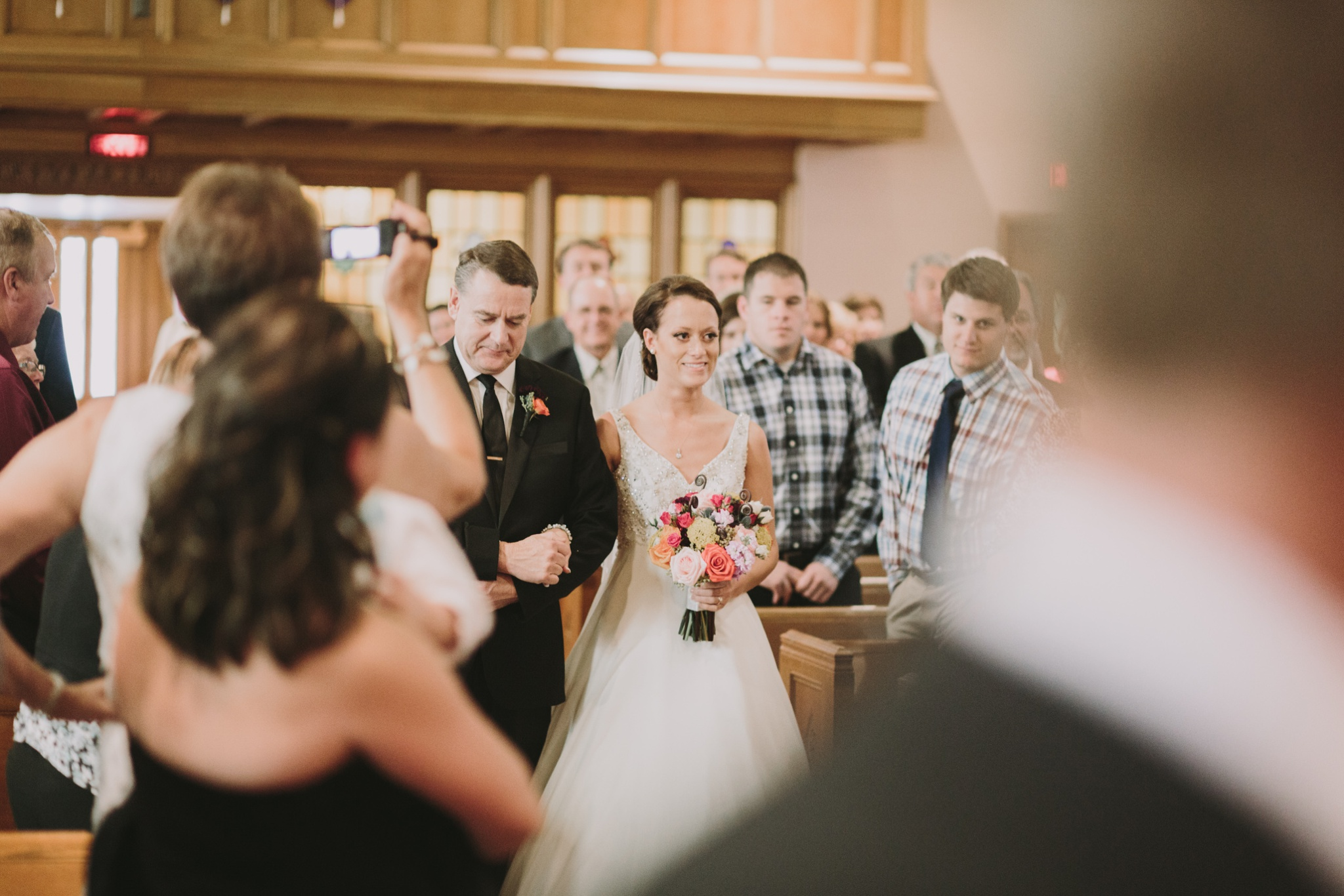 iowa-venue-fort-dodge-church-ceremony-first-presbyterian-dad-walks-bride-down-the-aisle