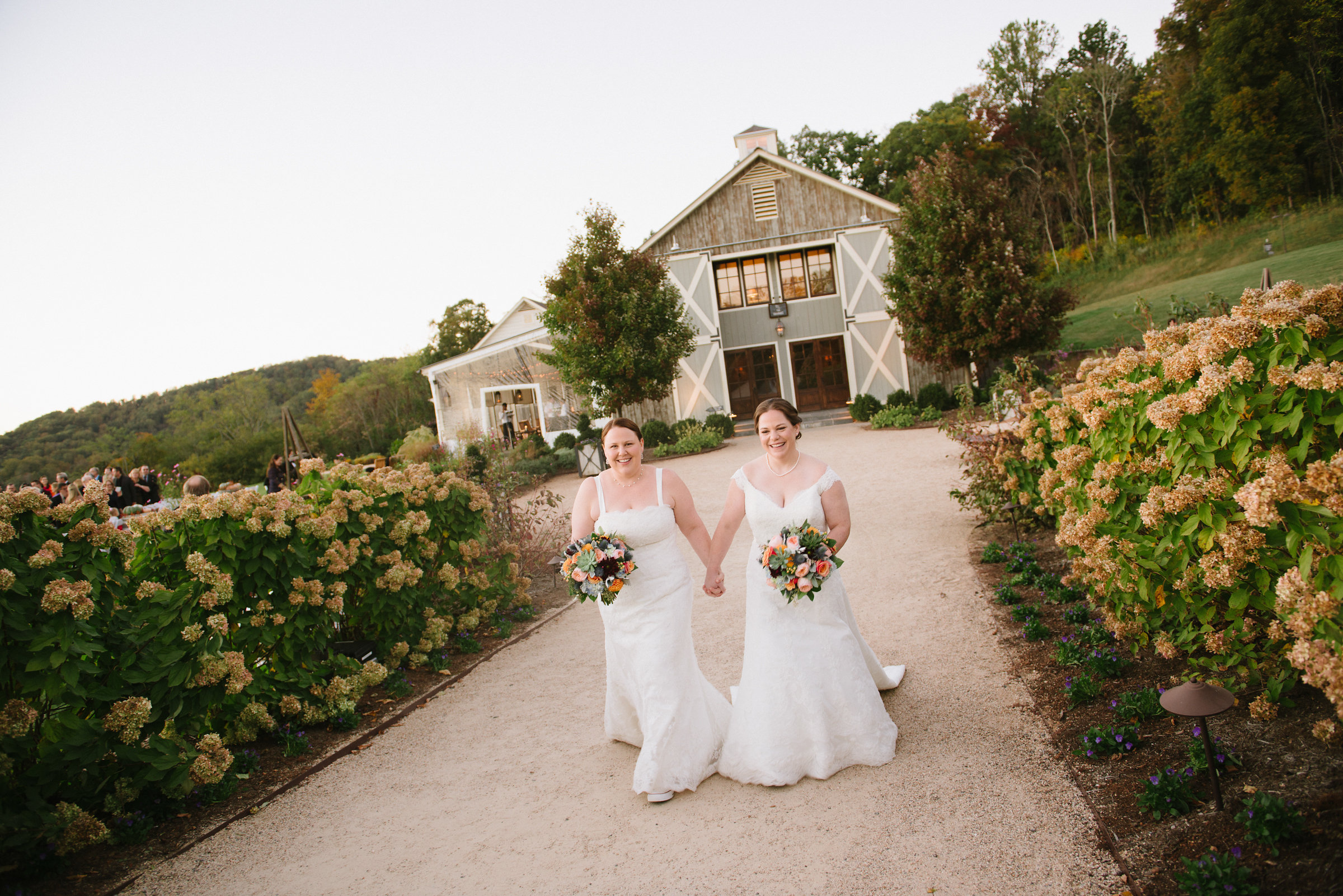 Samantha and Jackie, Pippin Hill, Southern Blooms, Jen Fariello Photography
