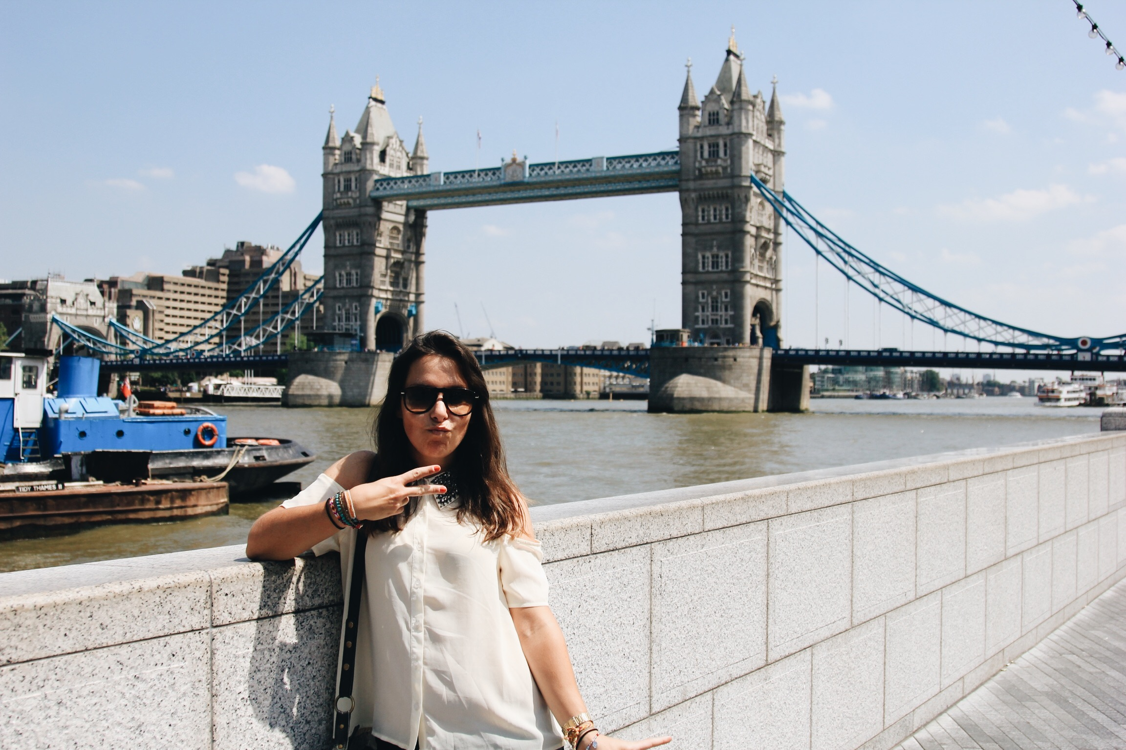 Alex-Tower-bridge-londres.jpg