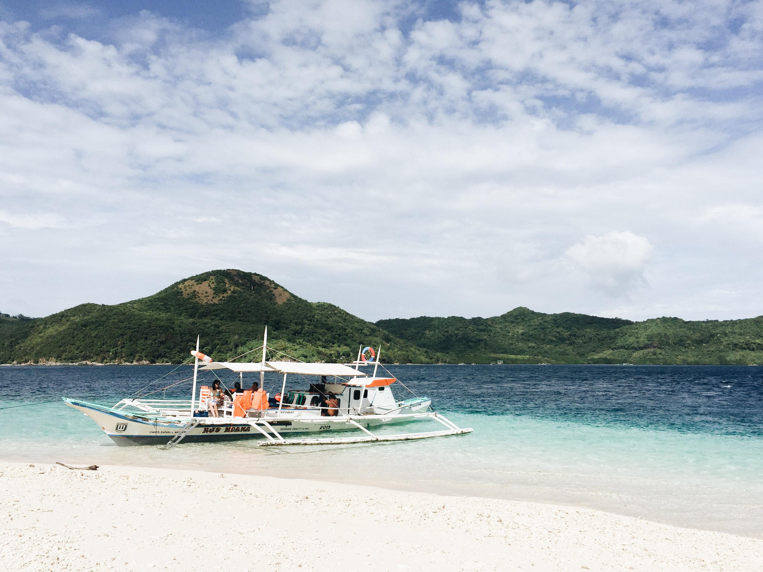 island-hopping-philippines-palawan.jpg
