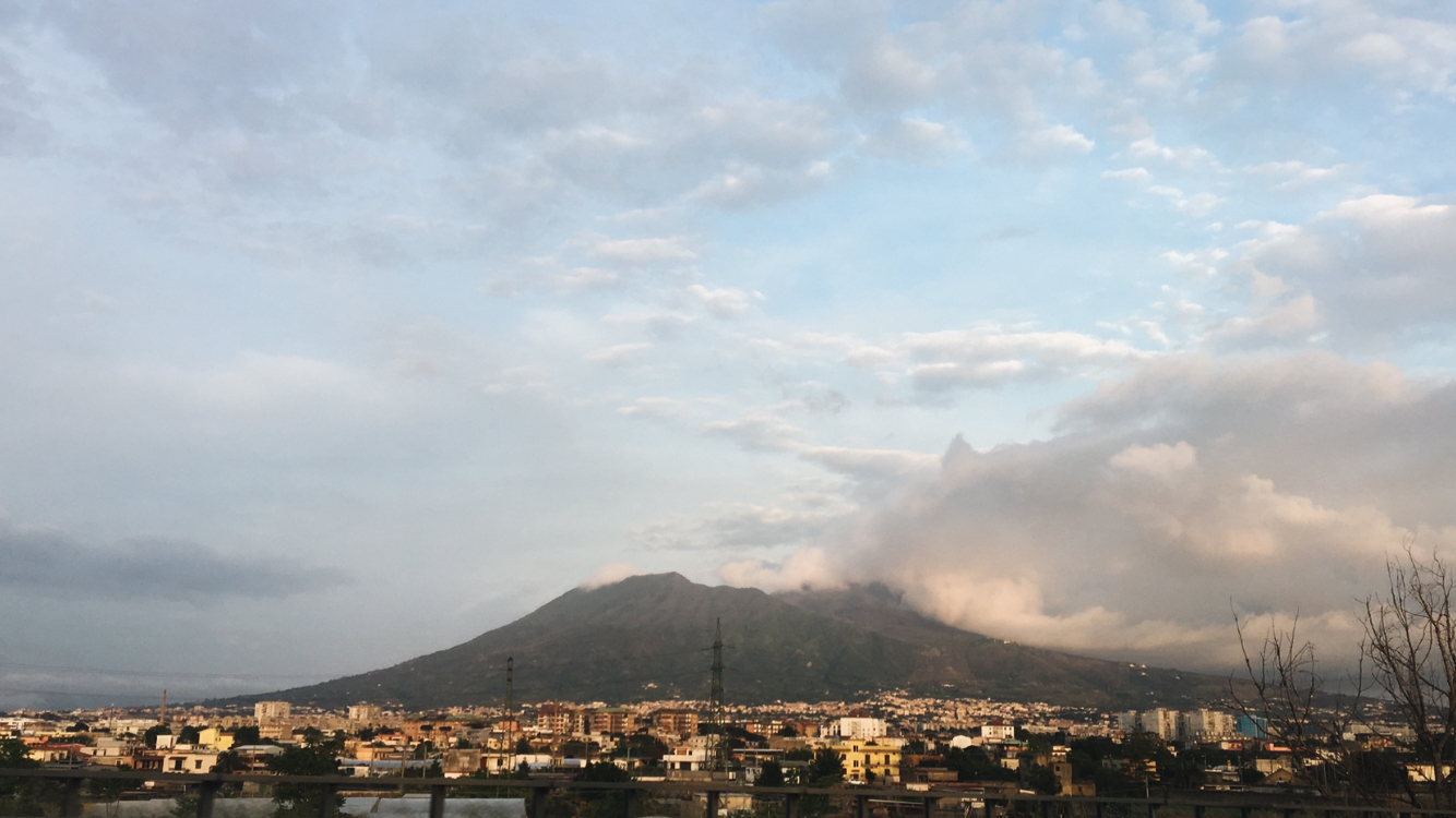Vesuvio-route-naples-pompeii.jpg