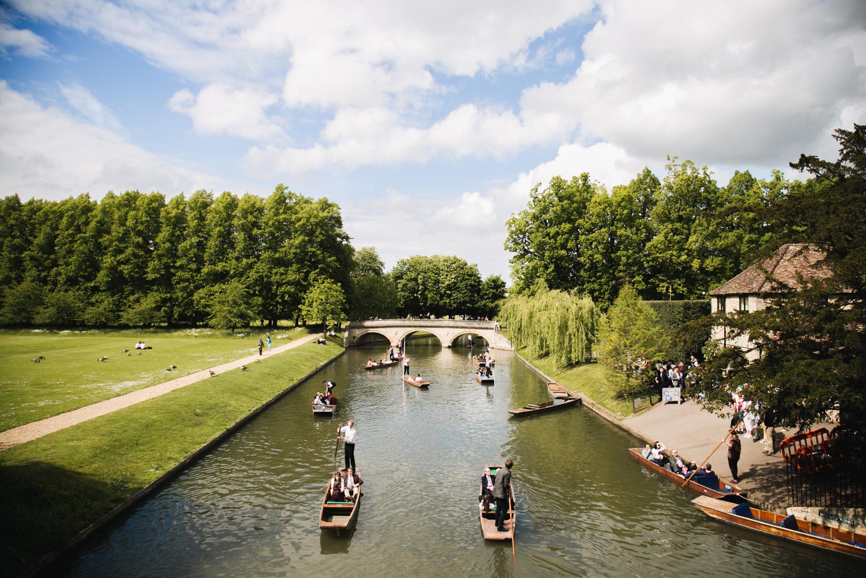 Punting-in-Cambridge-blog-voyage-onmyway.jpg