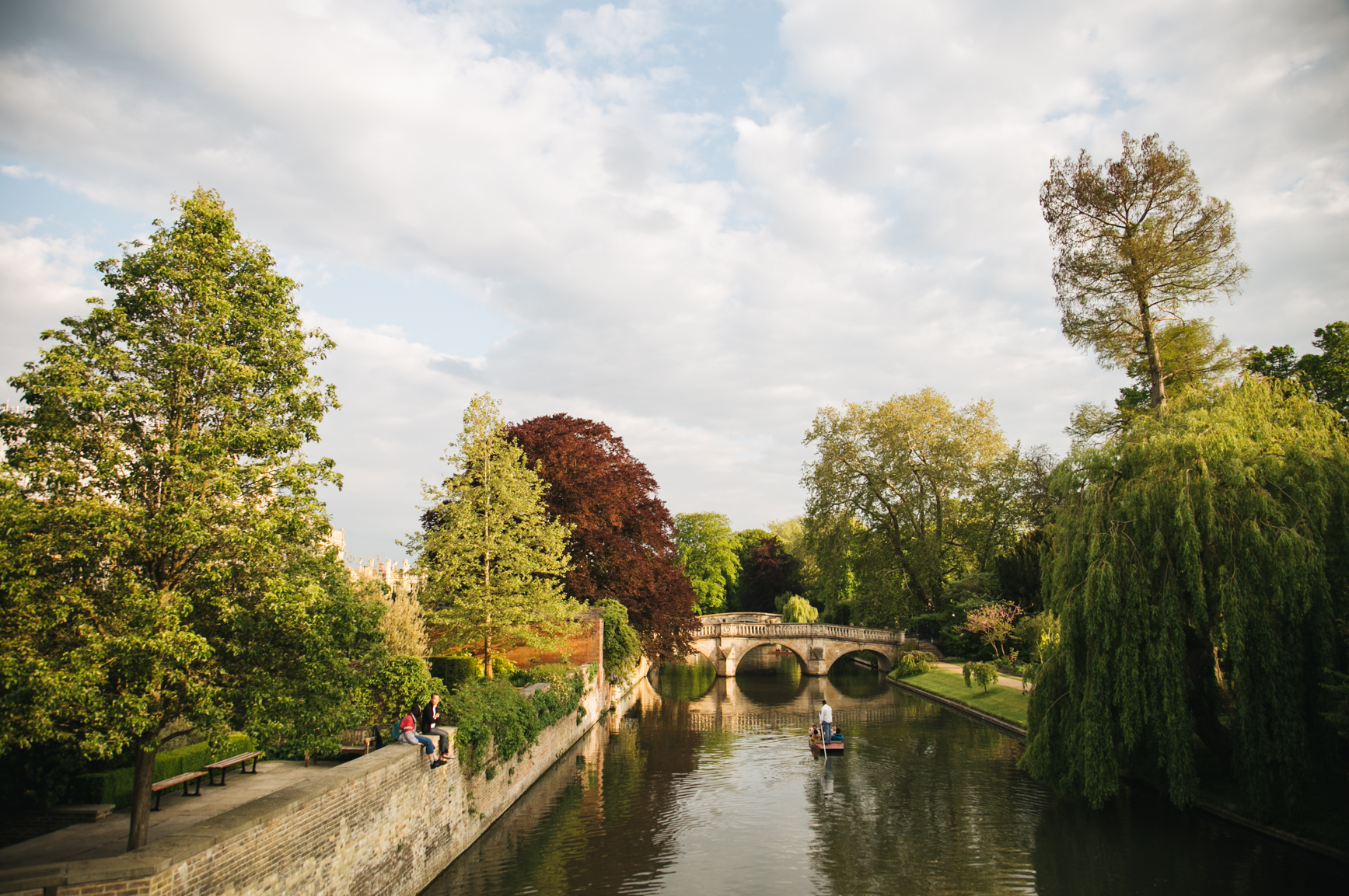 Punting-in-Cambridge-travel-blog-onmyway.jpg