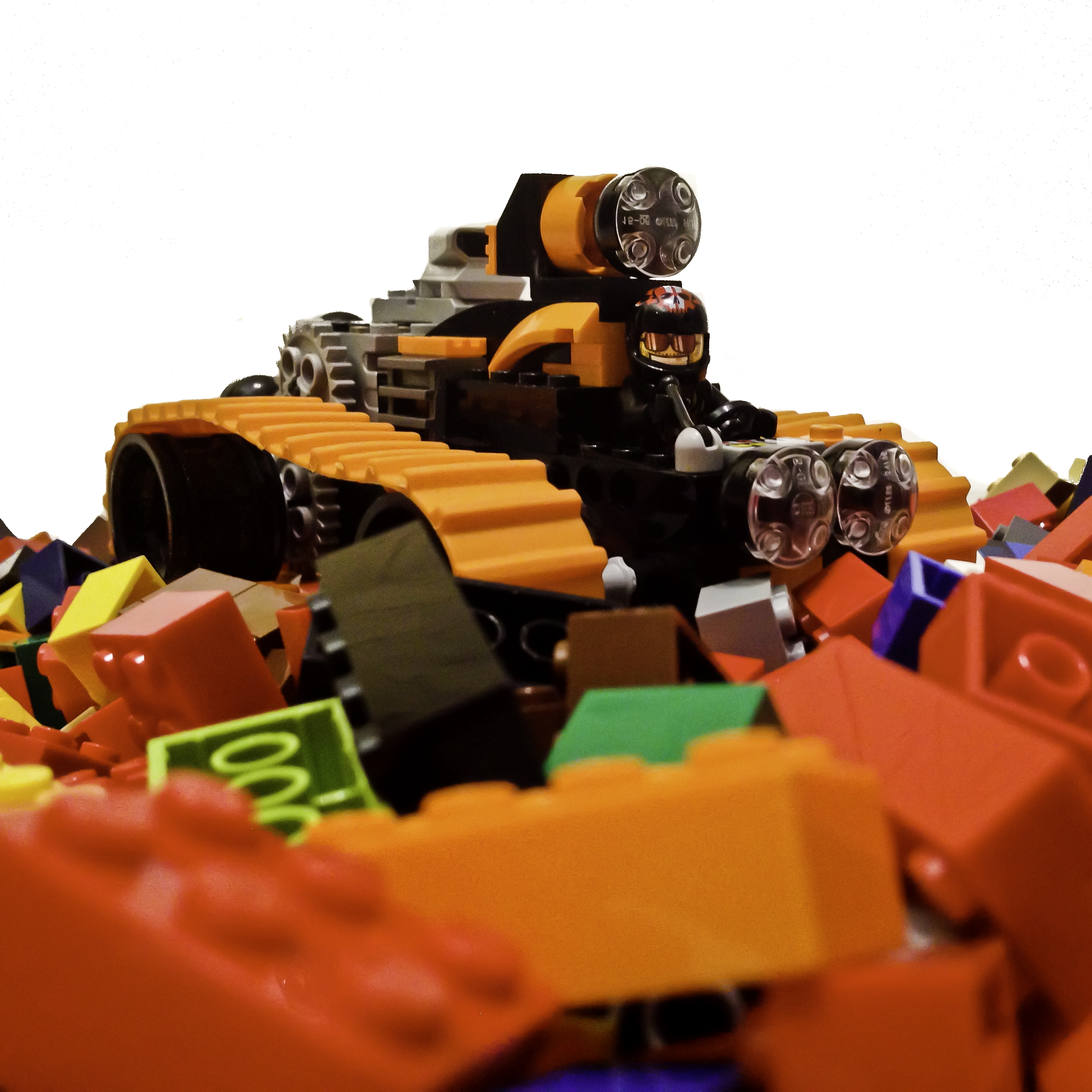 Motorized tank designed by Teo Lee with common LEGO® pieces.