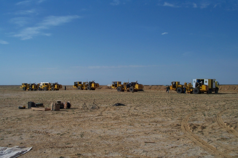 Vibrator maintenance for seismic crew start up, Algeria.