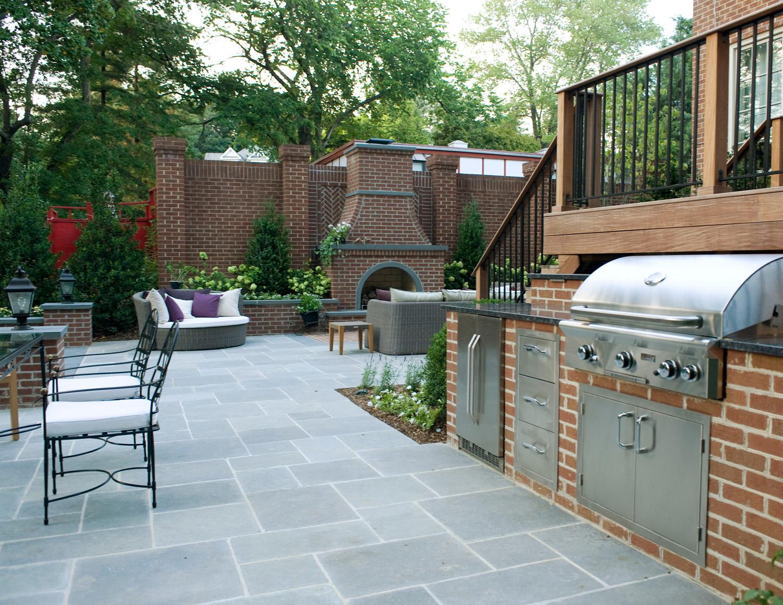 Outdoor kitchen area