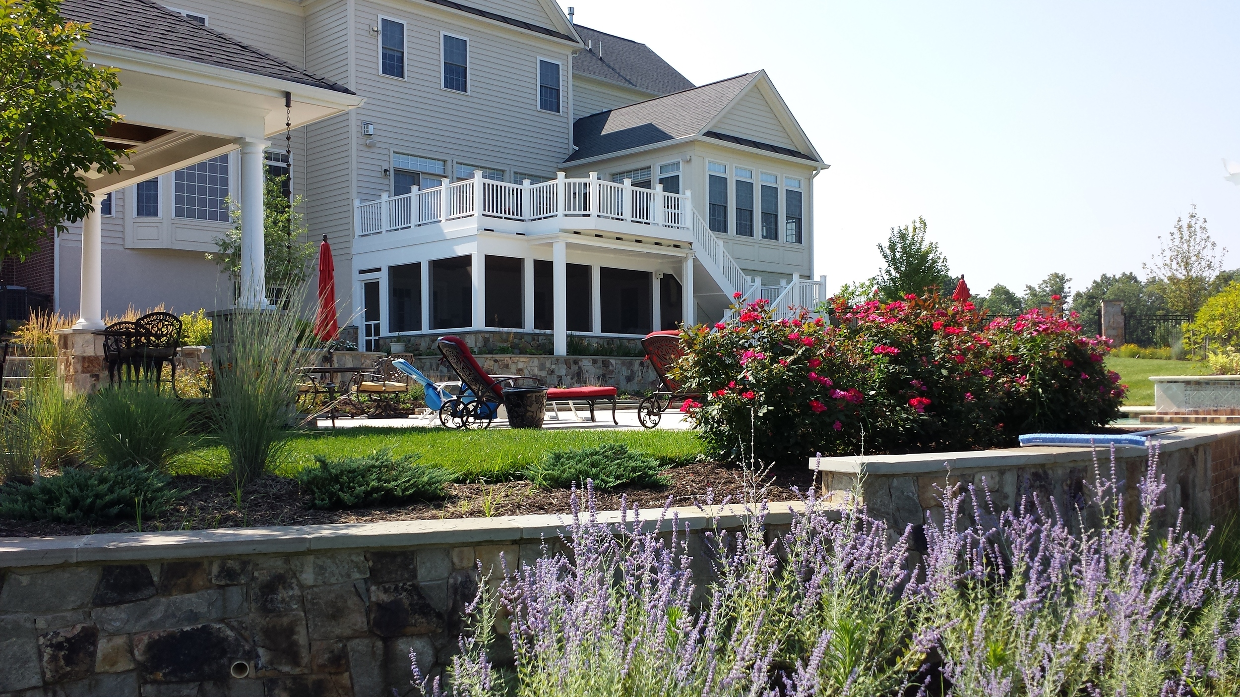 Aldie Residence Retaining Wall & Plantings