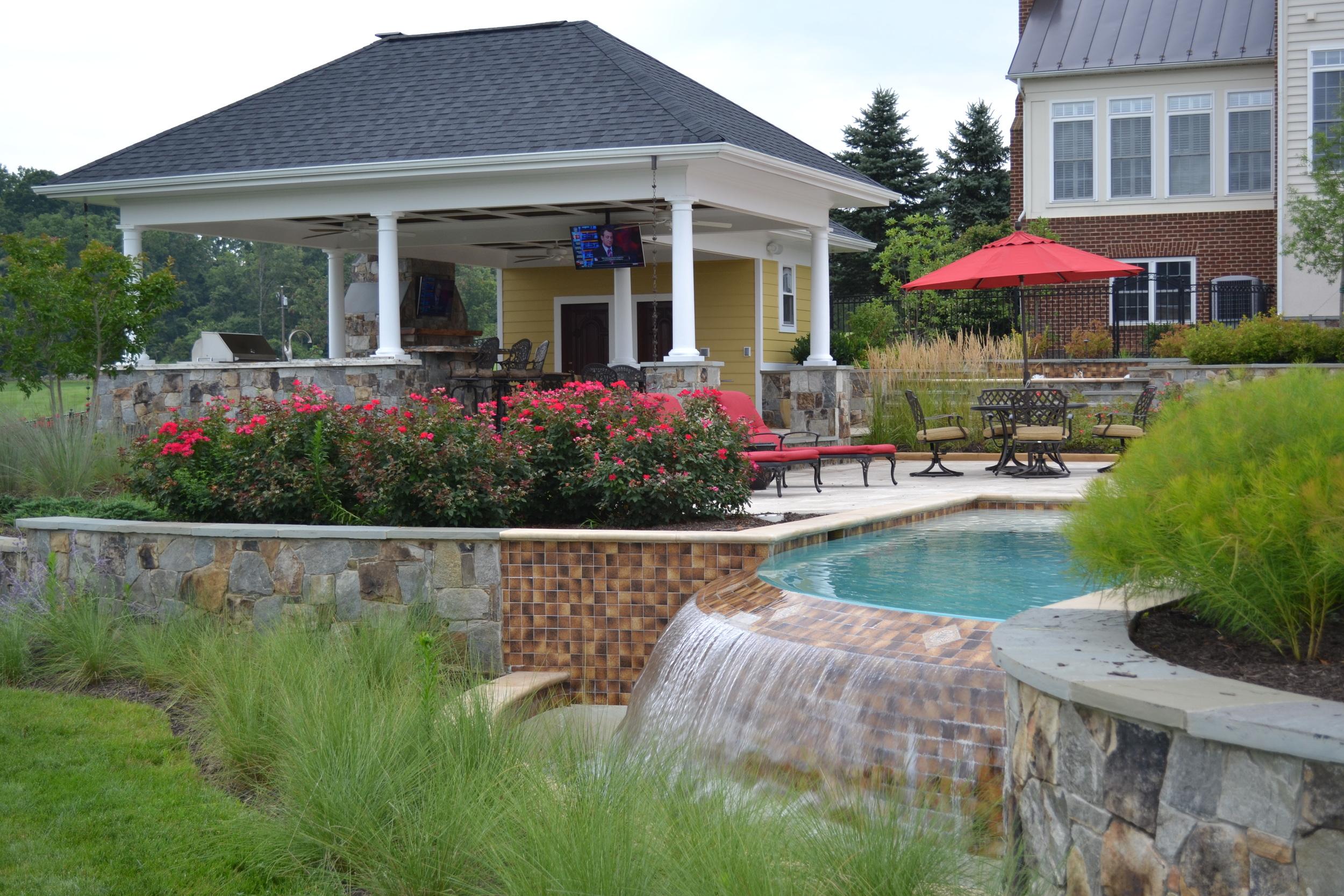 Aldie Residence Infinity Edge & Plantings