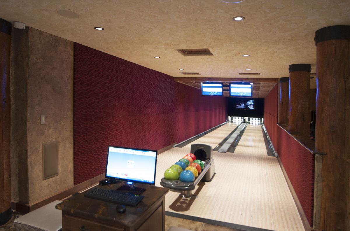bowling-alley-acoustics.jpg
