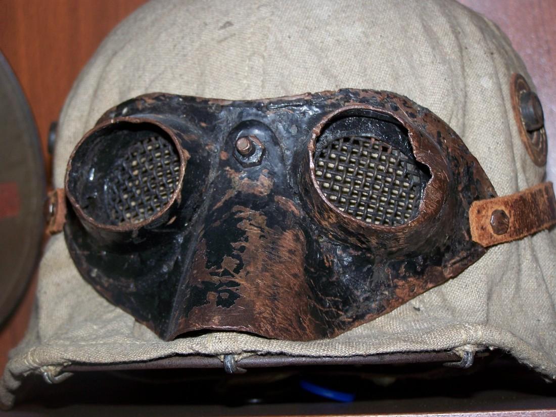 Schutzbrille für Sturmtruppen vermutlich Eigenentwicklung aus einer Mensurbrille 2.jpg