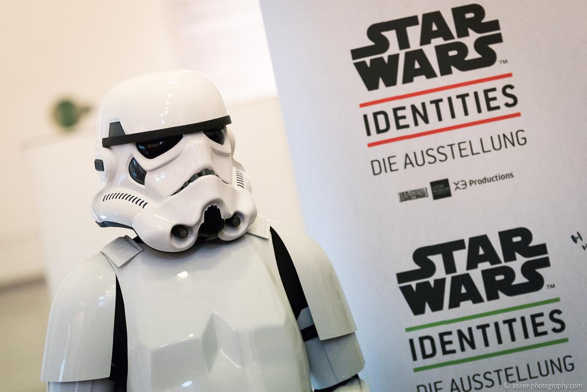 2015-12-17-10-06-45_starwars_identities.jpg