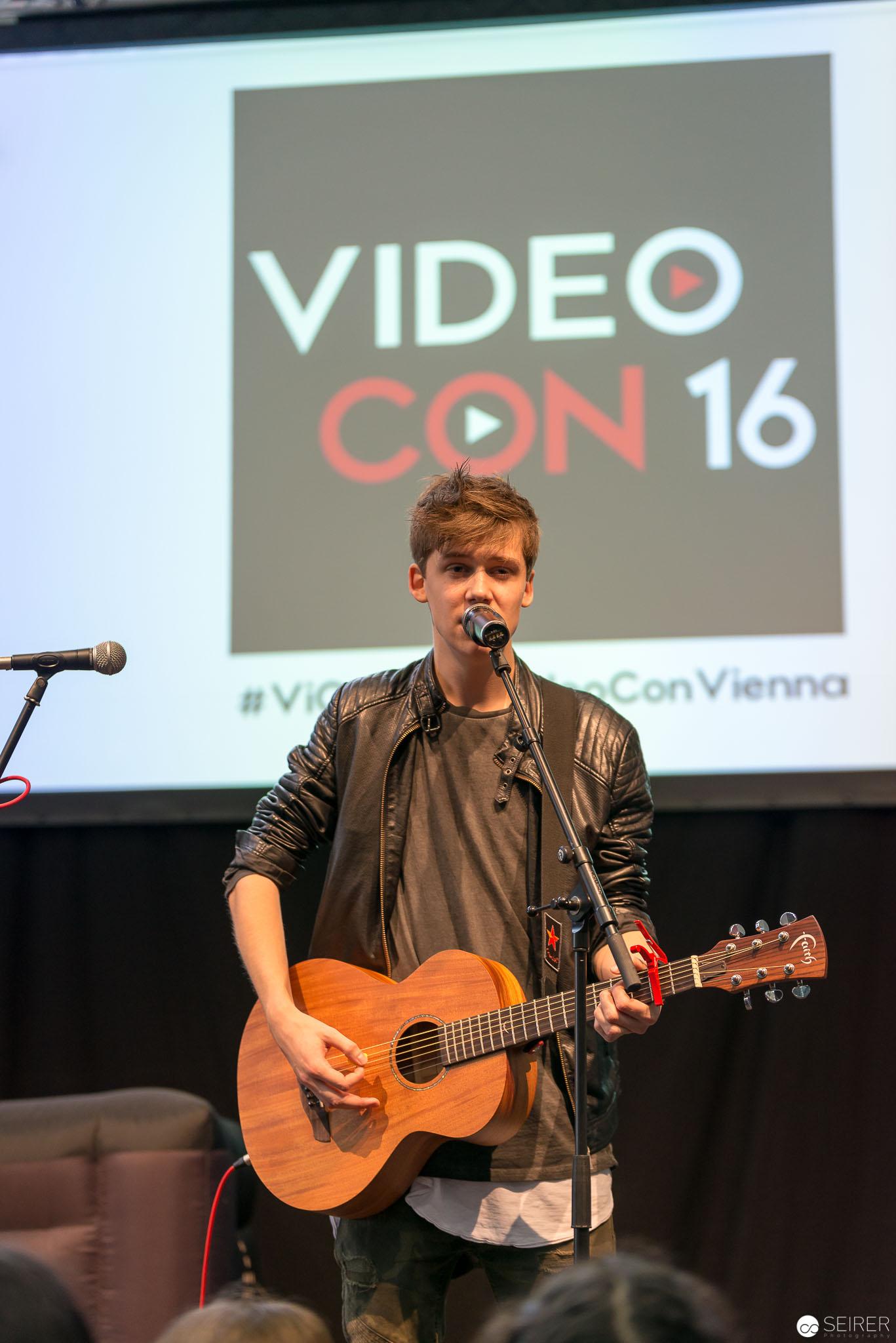 Jannik Brunke @ VideoCon 2016