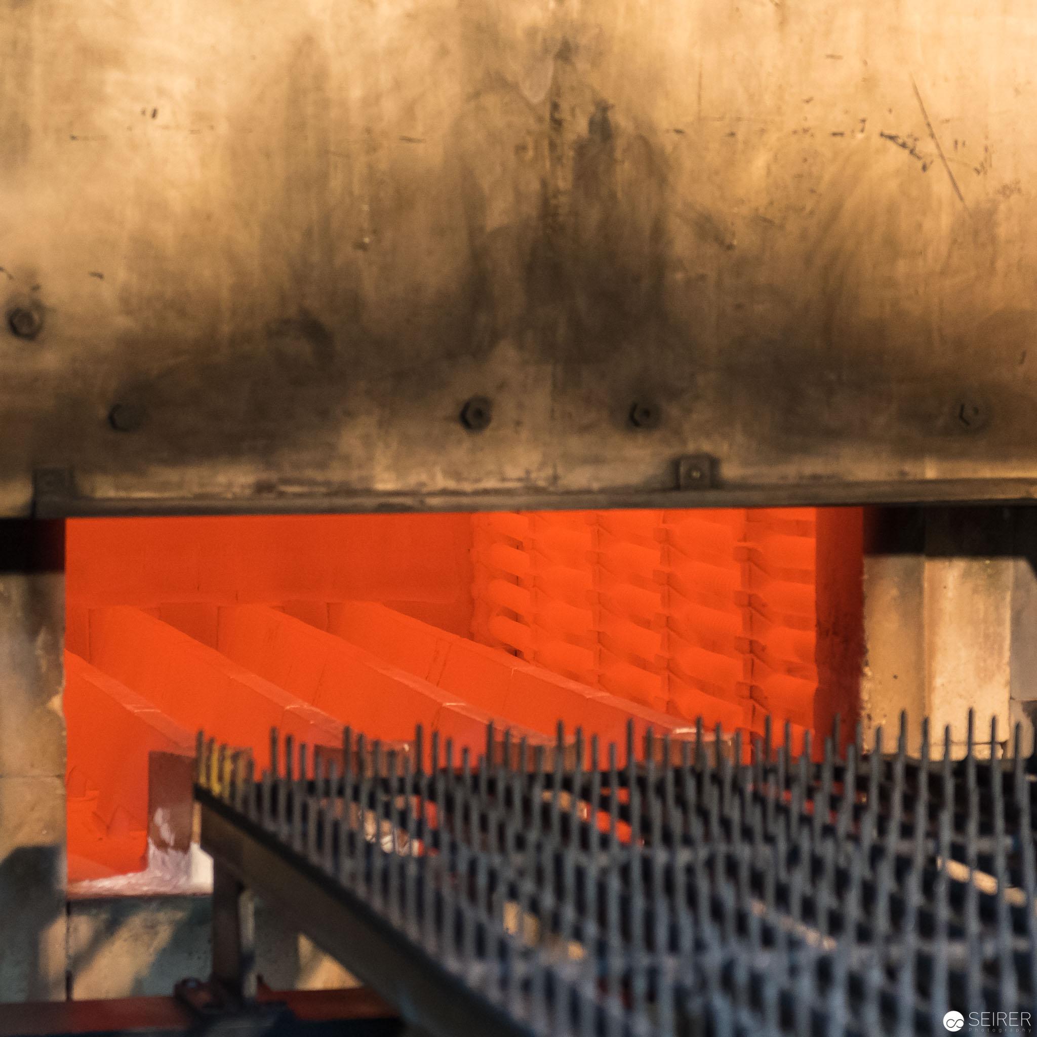Einer der Hochöfen von Riess Emaille mit 850 Grad Celsius
