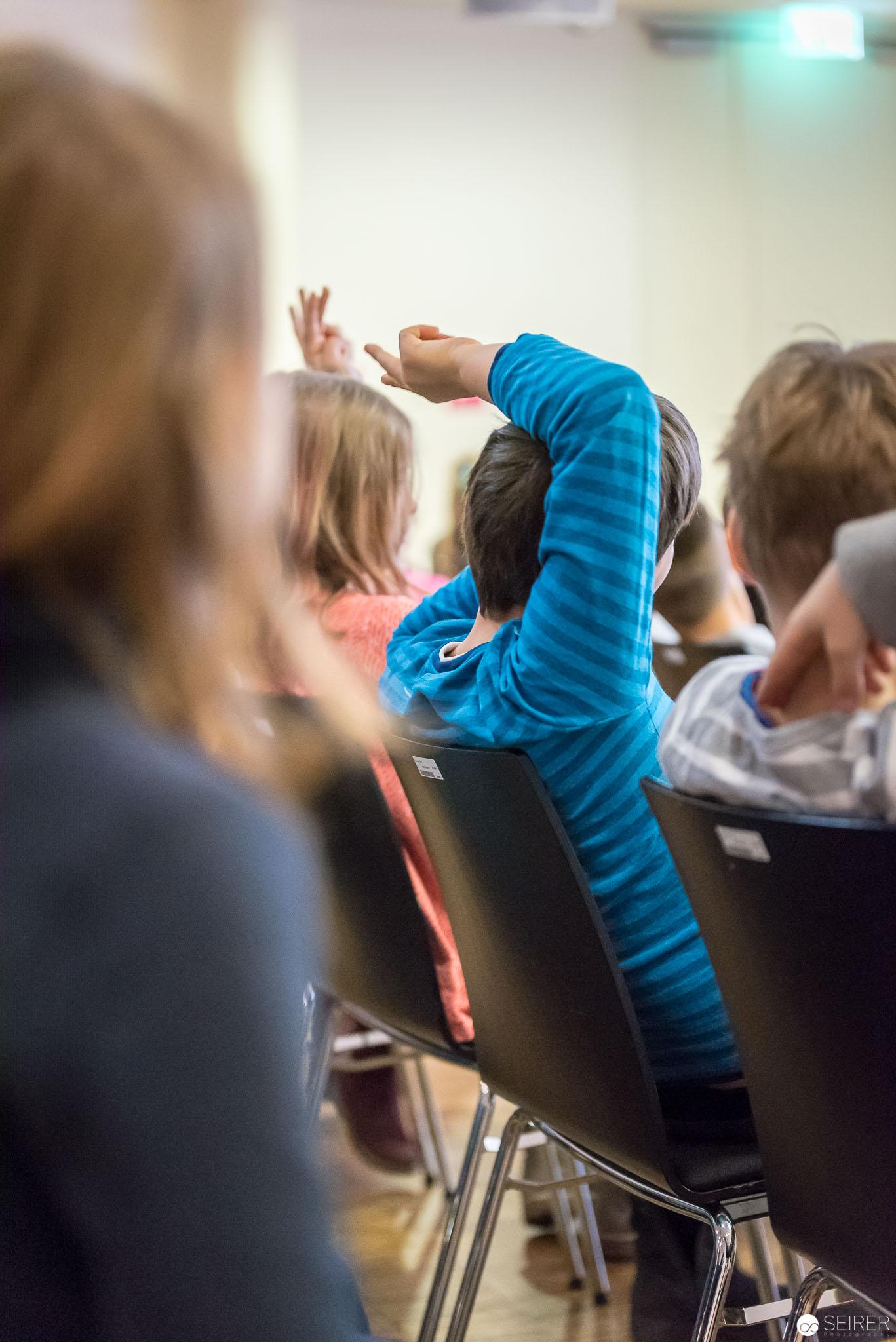 Durch geschicktes Fragen zog Melanie Laibl die Kinder in ihren Bann