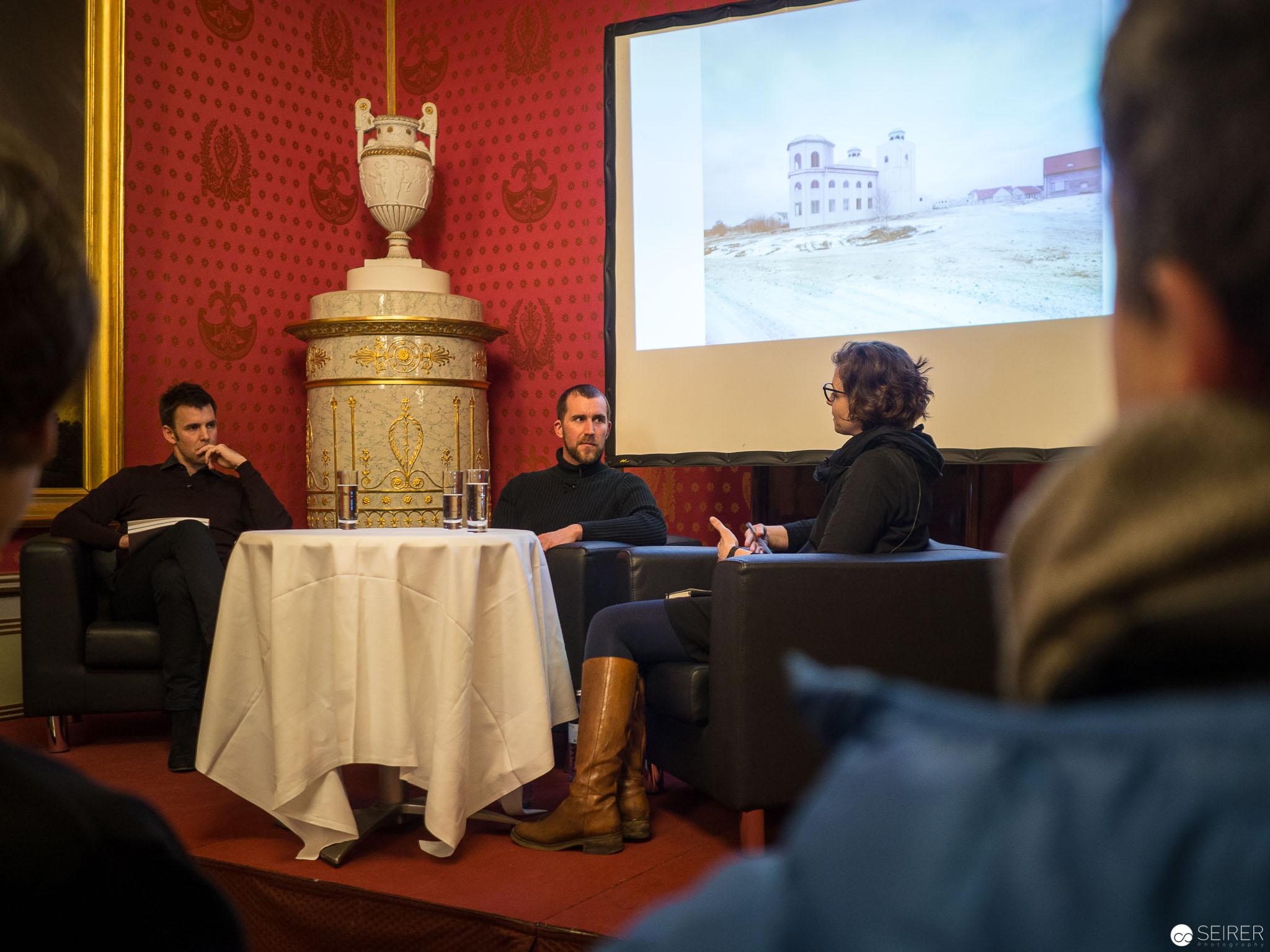Gregor Sailer im Gespräch mit einem Gespräch mit Judith Lehner (Architektin & Stadtforscherin) und Walter Moser (Leiter Fotosammlung der ALBERTINA)