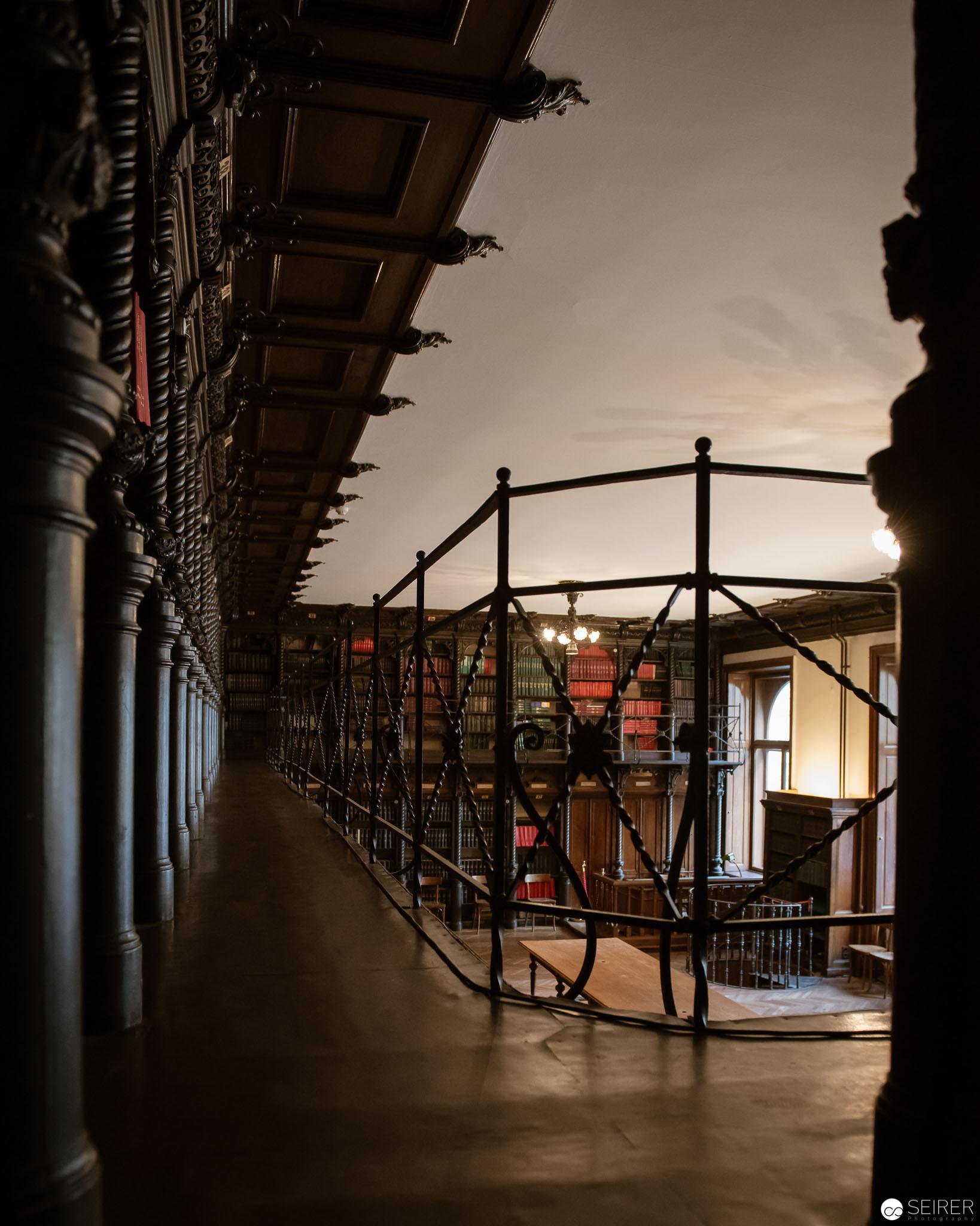 Eingang zur Galerie in der Bibliothek des Billrothhauses