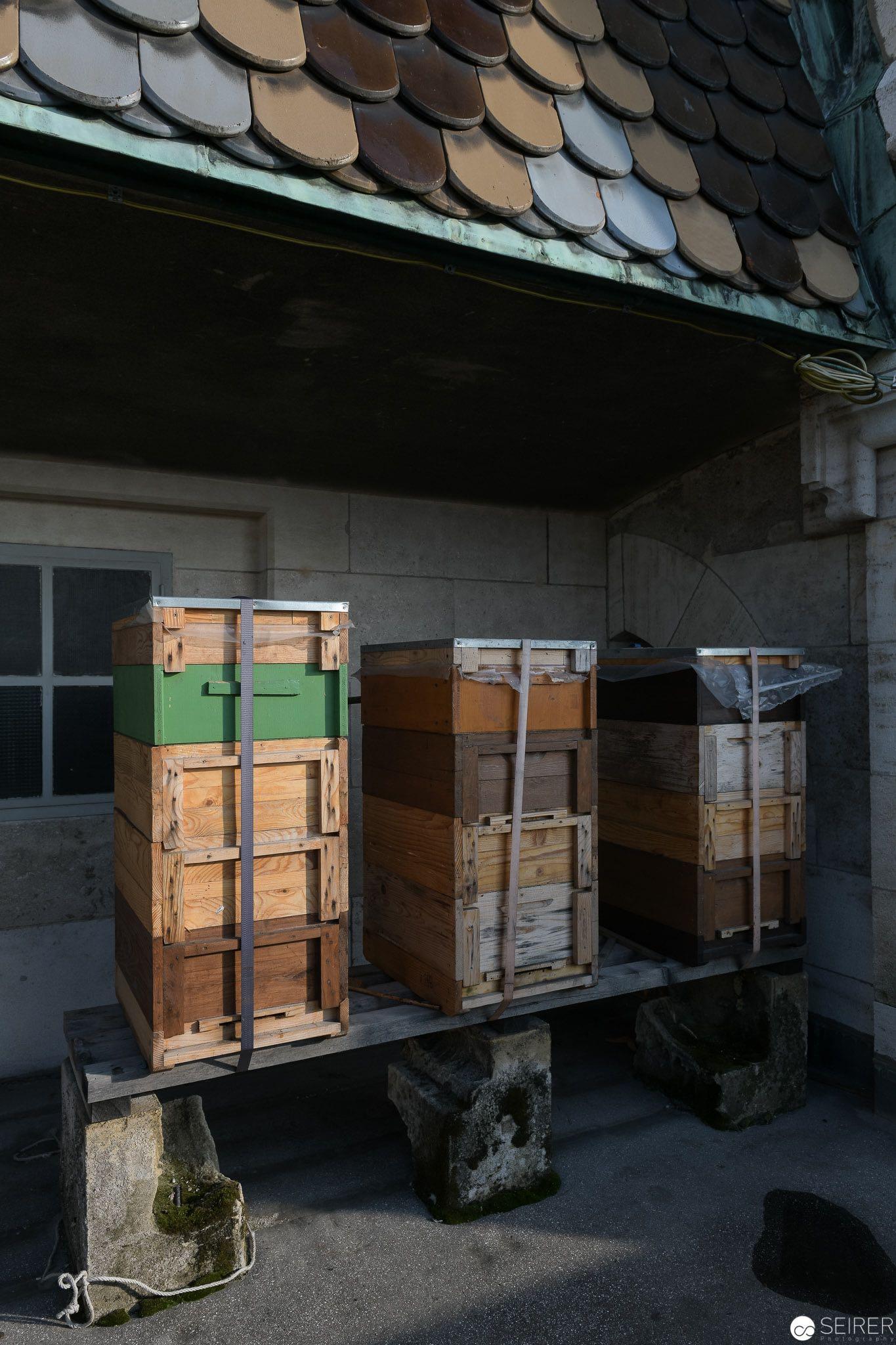 Auf dem Dach finden sich ebenfalls Bienenstöcke - den Honig davon bekommt man im Shop ;)