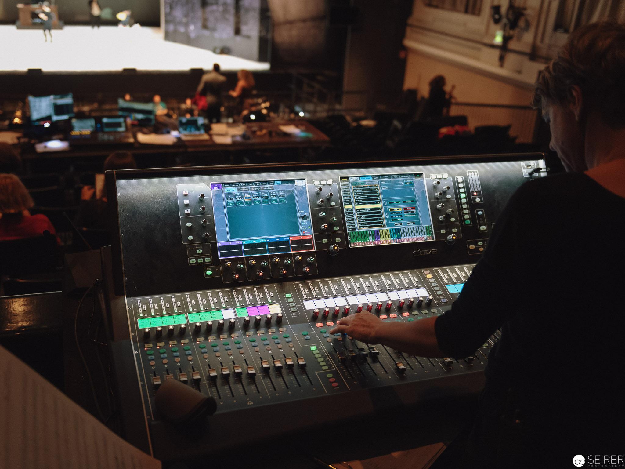 """Erste Probe von """"Angels in America"""" der Neuen Oper Wien im MQ"""