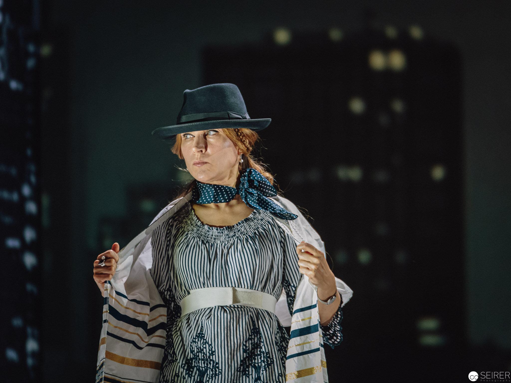"""Inna Savchenko bei den Proben zu """"Angels in America"""" der Neuen Oper Wien im MQ."""