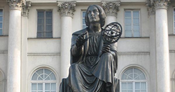 Nicolaus_Copernicus_Varsovia.jpg