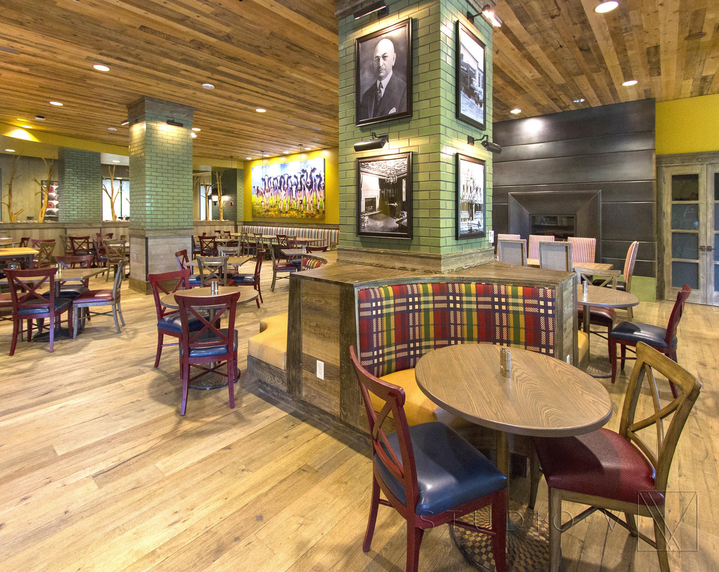 17_Restaurant_1.jpg