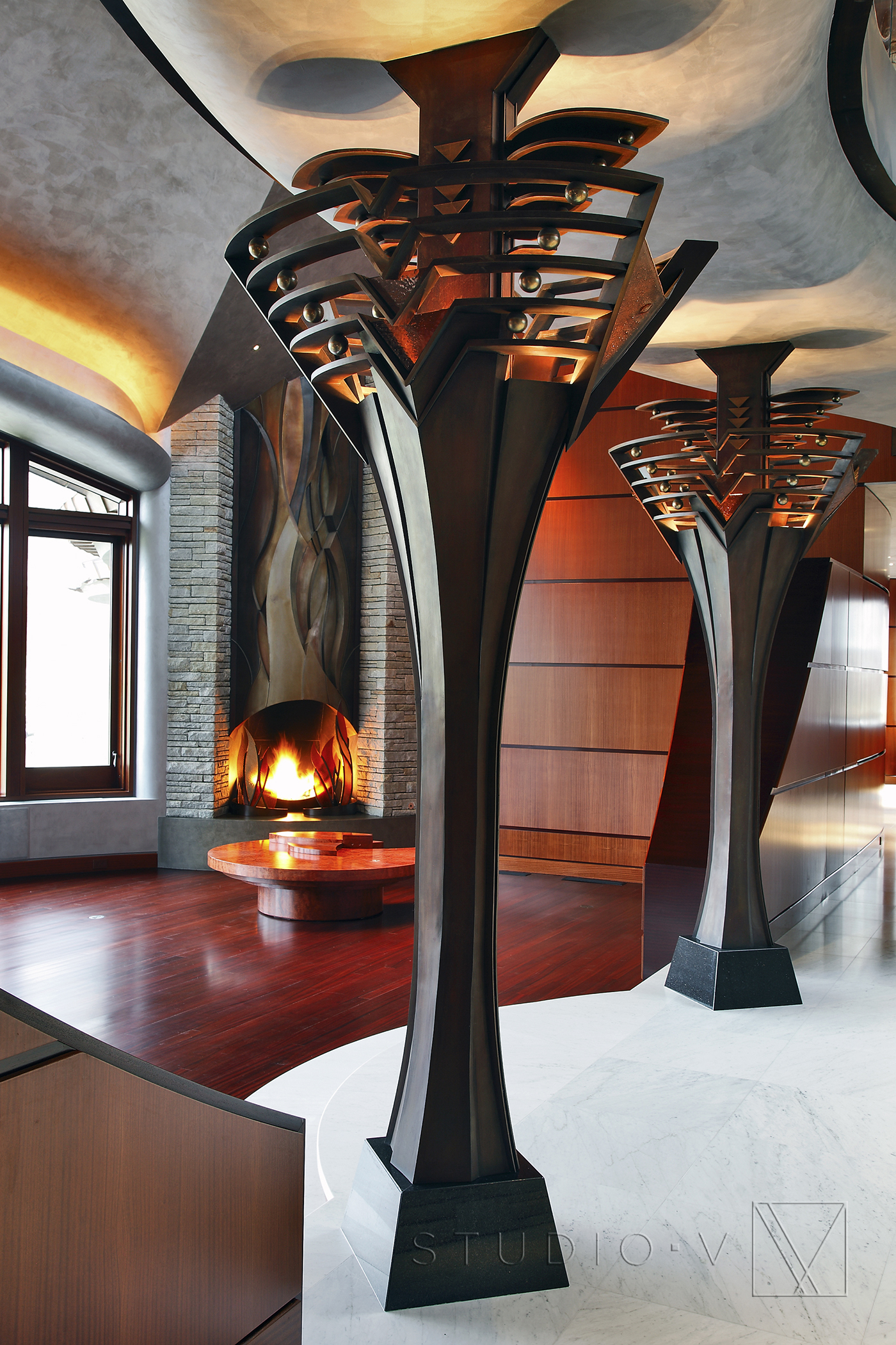 01_Foyer Custom Fireplace Studio V Interiors Scottsdale AZ Greenwich CT.jpg