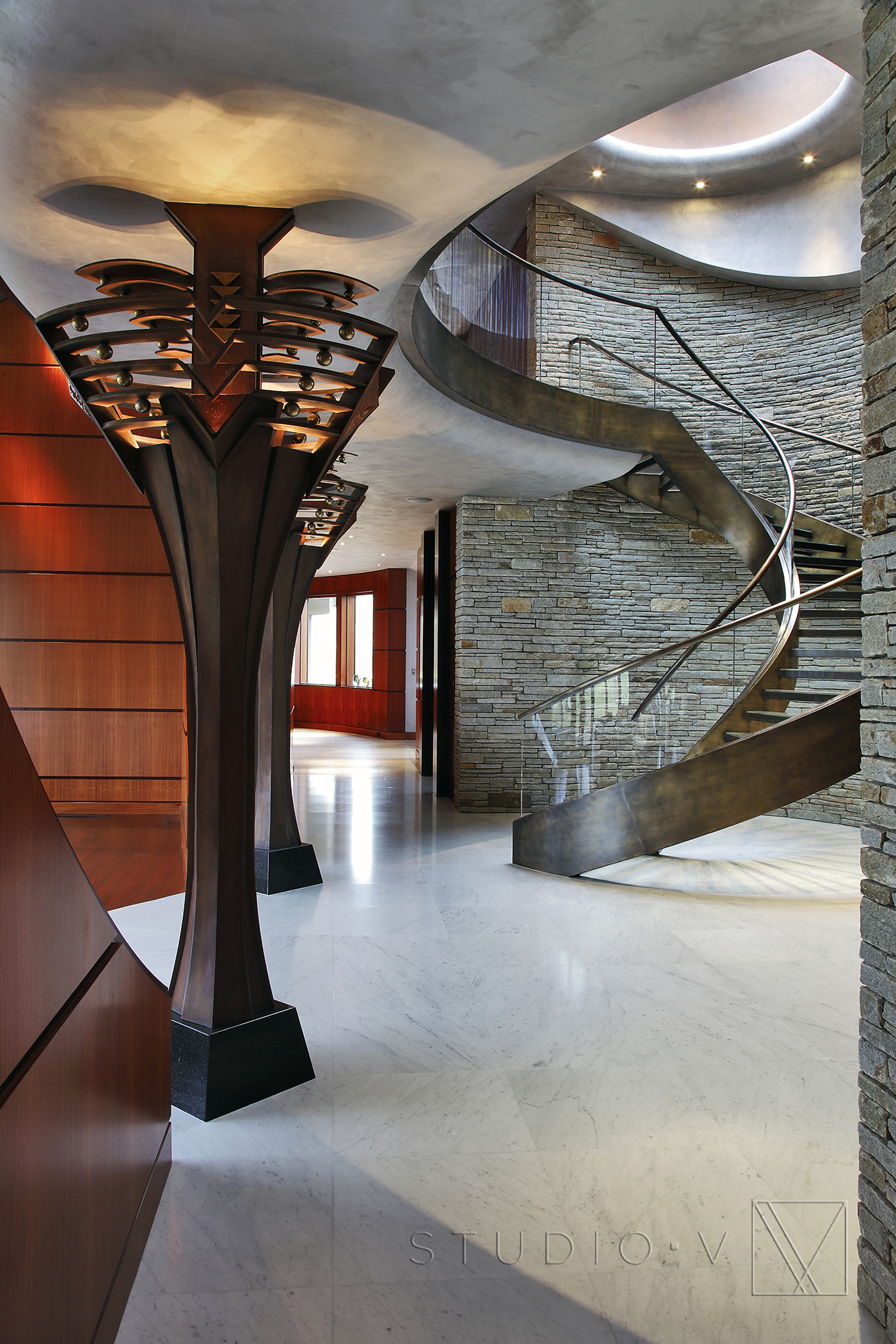 02_Foyer Spiral Staircase Studio V Interiors Scottsdale AZ Greenwich CT.jpg