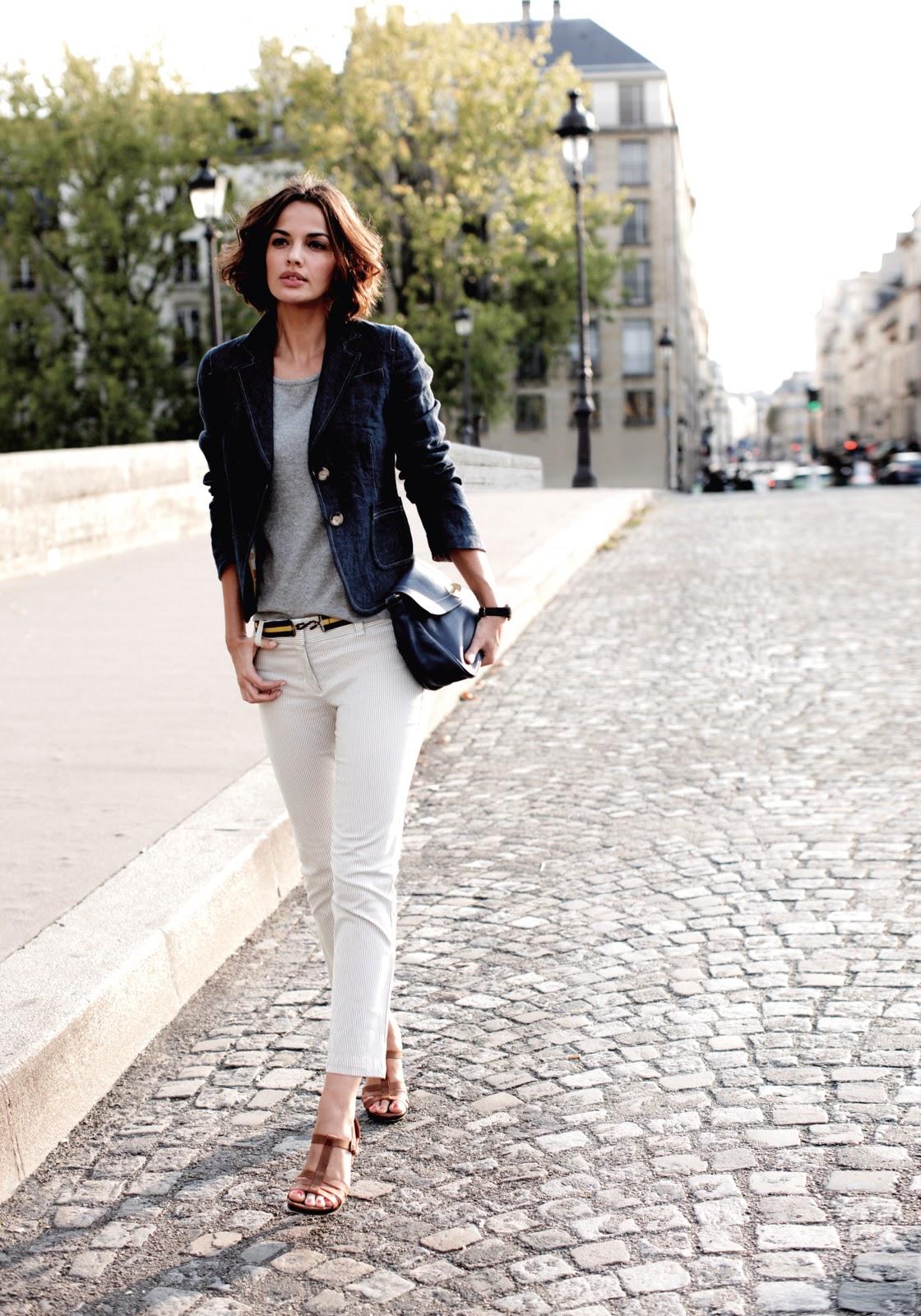 boden-white-jeans-gray-tee.jpg