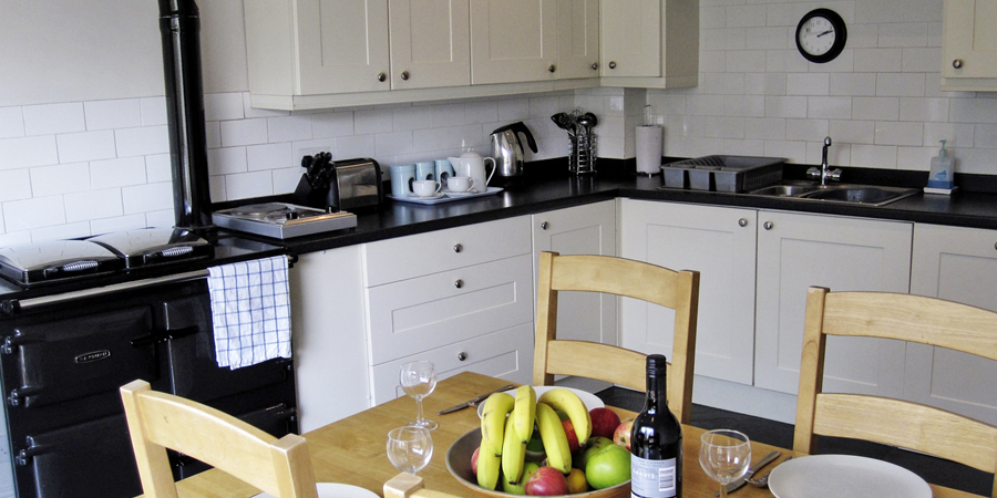 The well equipped kitchen includes a bottle of wine, tea coffee and fresh milk upon your arrival.
