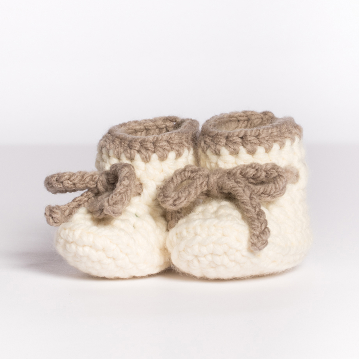 BABY BOOTIES PRODUCT PHOTOGRAPHY