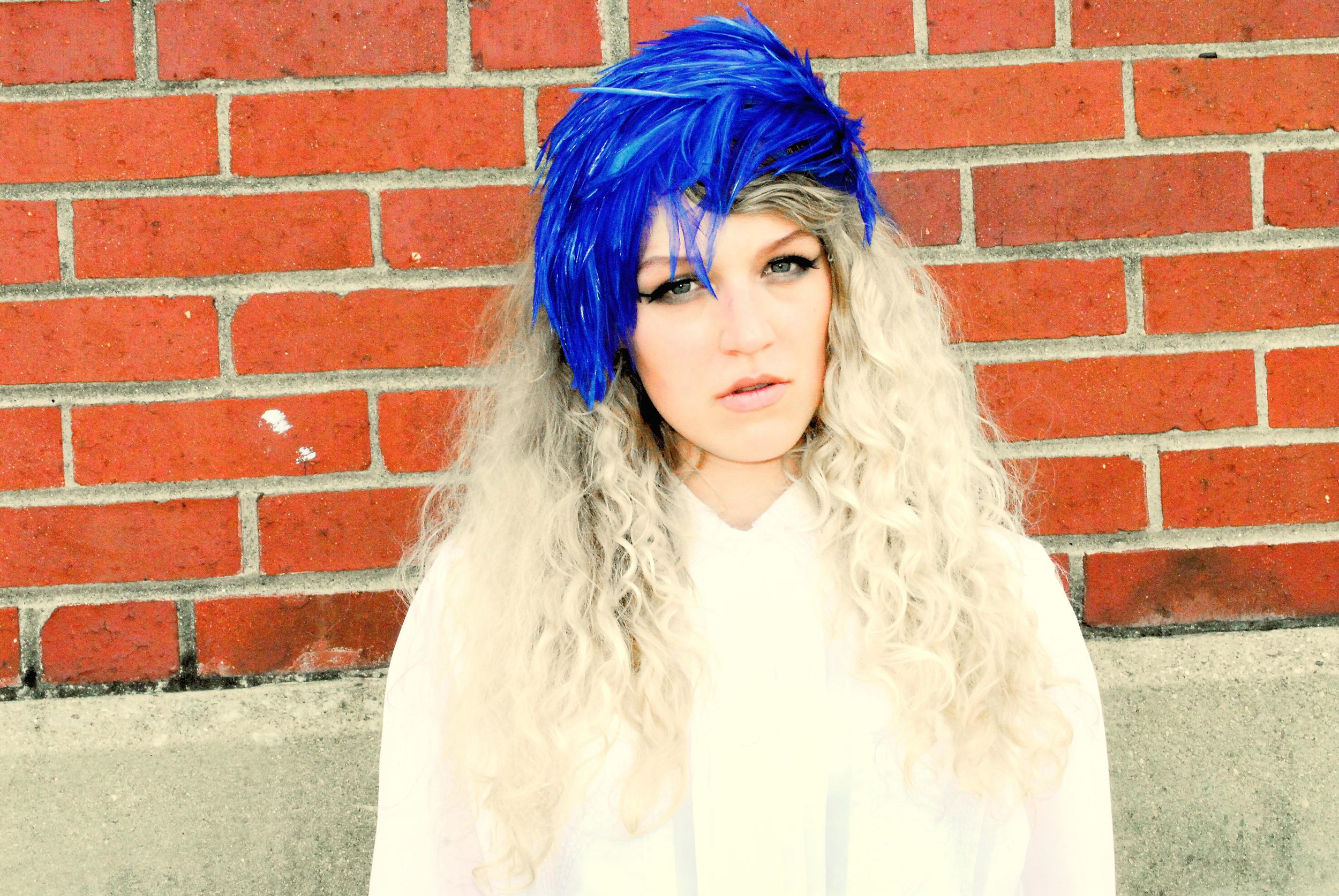 megan_blue feathers_0012.jpg