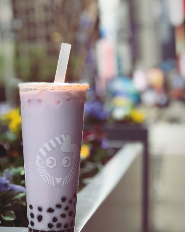 It's National Bubble Tea Day! We celebrated with a #taro milk tea with tapioca from @cocoteanyc and a #passionfruit green tea with mango popping bubbles from @kungfuteausa. What's your boba order? Which bubble tea spot is your favorite? #bubbletea #boba #nationalbubbleteaday #tea 📸: @niccharlieperez