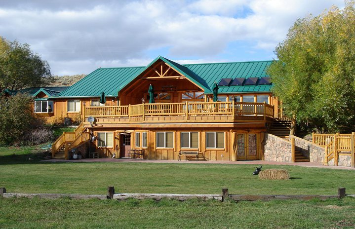 Cottonwood Guest Ranch Lodge