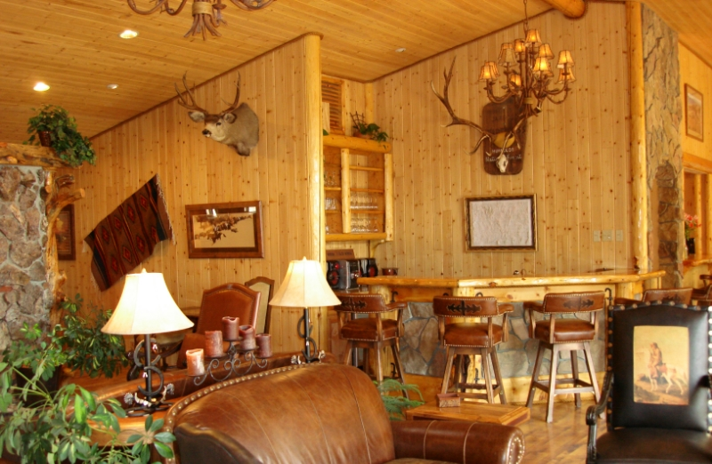 Cottonwood Guest Lodge Interior